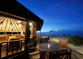 maledivy-hotel-holiday-island-resort-012.jpg