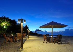 maledivy-hotel-holiday-island-resort-015.jpg