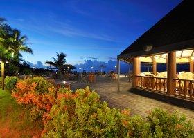 maledivy-hotel-holiday-island-resort-016.jpg