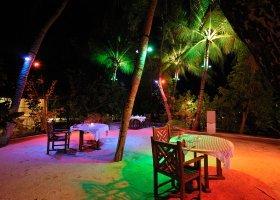 maledivy-hotel-holiday-island-resort-031.jpg