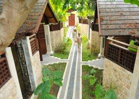 maledivy-hotel-holiday-island-resort-032.jpg