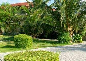 maledivy-hotel-hulhule-island-hotel-015.jpg