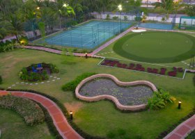 maledivy-hotel-hulhule-island-hotel-024.jpg