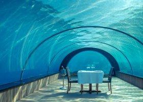 maledivy-hotel-hurawalhi-island-resort-023.jpg