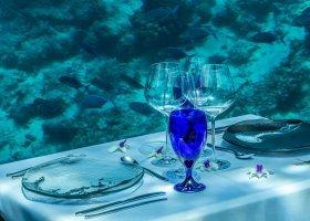 maledivy-hotel-hurawalhi-island-resort-024.jpg