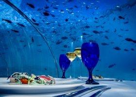 maledivy-hotel-hurawalhi-island-resort-026.jpg
