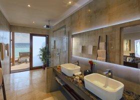 maledivy-hotel-hurawalhi-island-resort-100.jpg