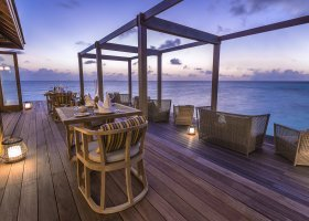 maledivy-hotel-hurawalhi-island-resort-127.jpg