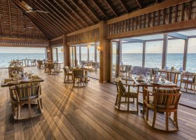 maledivy-hotel-hurawalhi-island-resort-128.jpg