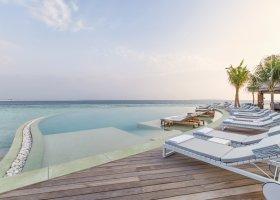 maledivy-hotel-hurawalhi-island-resort-133.jpg