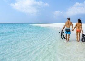 maledivy-hotel-hurawalhi-island-resort-145.jpg