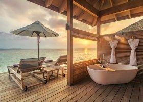 maledivy-hotel-hurawalhi-island-resort-168.jpg