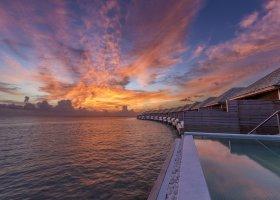 maledivy-hotel-hurawalhi-island-resort-171.jpg