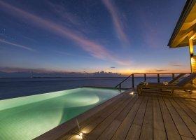 maledivy-hotel-hurawalhi-island-resort-175.jpg