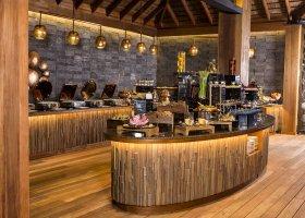 maledivy-hotel-hurawalhi-island-resort-179.jpg
