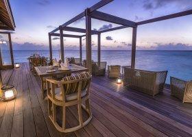 maledivy-hotel-hurawalhi-island-resort-181.jpg