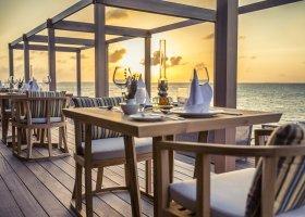 maledivy-hotel-hurawalhi-island-resort-184.jpg