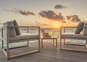maledivy-hotel-hurawalhi-island-resort-194.jpg
