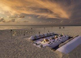maledivy-hotel-hurawalhi-island-resort-195.jpg