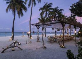 maledivy-hotel-hurawalhi-island-resort-196.jpg