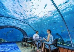 maledivy-hotel-hurawalhi-island-resort-197.jpg