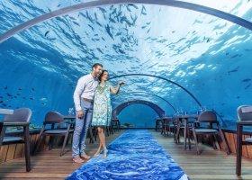 maledivy-hotel-hurawalhi-island-resort-198.jpg
