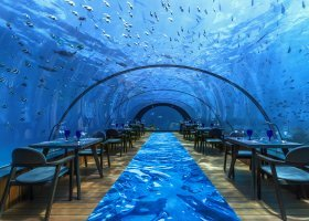 maledivy-hotel-hurawalhi-island-resort-200.jpg