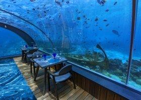 maledivy-hotel-hurawalhi-island-resort-201.jpg