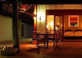maledivy-hotel-huvafen-fushi-220.jpg