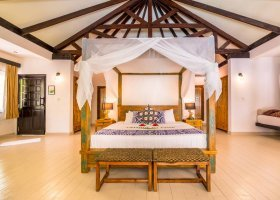 maledivy-hotel-kihaa-maldives-290.jpg
