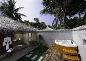 maledivy-hotel-kuramathi-island-resort-096.jpg