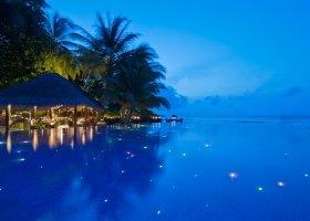 maledivy-hotel-kuramathi-island-resort-180.jpg