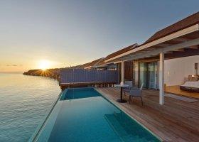 maledivy-hotel-kuramathi-island-resort-214.jpg