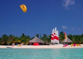 maledivy-hotel-kuredu-island-resort-040.jpg
