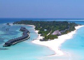 maledivy-hotel-kuredu-island-resort-054.jpg