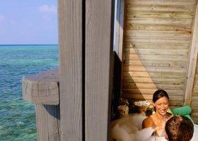 maledivy-hotel-kuredu-island-resort-086.jpg