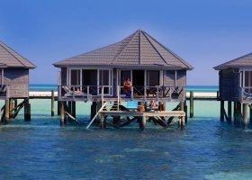 maledivy-hotel-kuredu-island-resort-095.jpg