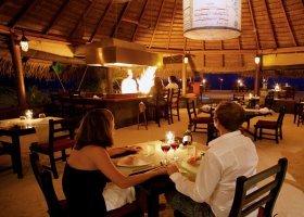 maledivy-hotel-kuredu-island-resort-097.jpg