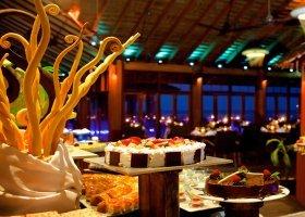 maledivy-hotel-kuredu-island-resort-099.jpg
