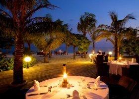 maledivy-hotel-kuredu-island-resort-100.jpg