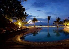 maledivy-hotel-kuredu-island-resort-106.jpg
