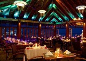maledivy-hotel-kuredu-island-resort-114.jpg