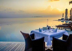 maledivy-hotel-kuredu-island-resort-124.jpg