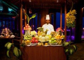 maledivy-hotel-kuredu-island-resort-139.jpeg
