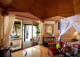 maledivy-hotel-kuredu-island-resort-160.jpg