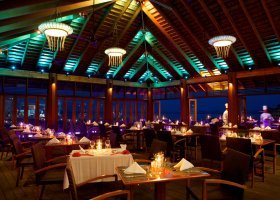 maledivy-hotel-kuredu-island-resort-165.jpeg