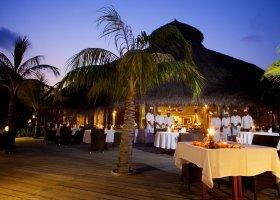 maledivy-hotel-kuredu-island-resort-253.jpg