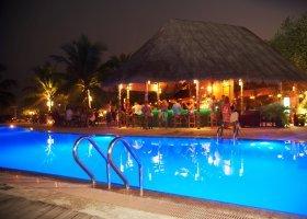 maledivy-hotel-kuredu-island-resort-spa-278.jpg