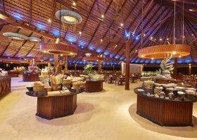 maledivy-hotel-kuredu-island-resort-spa-279.jpg