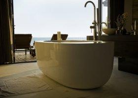 maledivy-hotel-lily-beach-resort-038.jpg